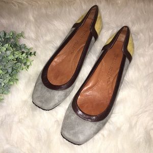 GENTLE SOULS Sz 7 ISO Block Suede Flat Shoes